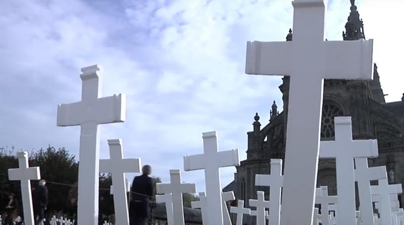 croix pour les paysans suicidés