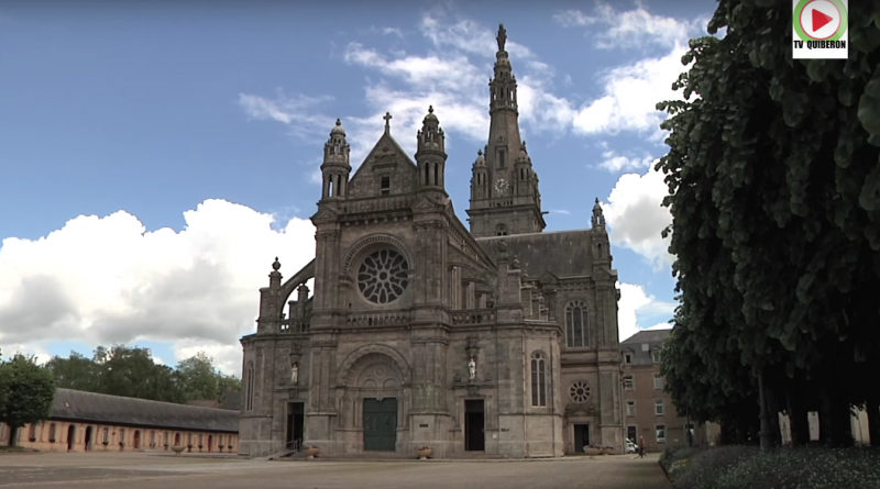 Sainte-Anne d'Auray le Lourdes breton