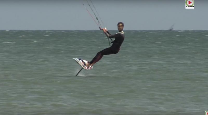 Kitesurfing - Théo Sicallac
