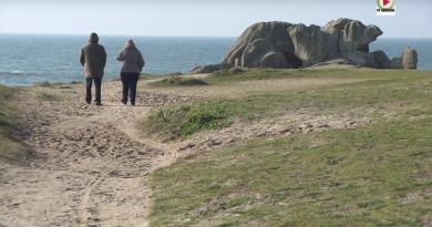 PLOBANNALEC-LESCONIL: Les etranges rochers