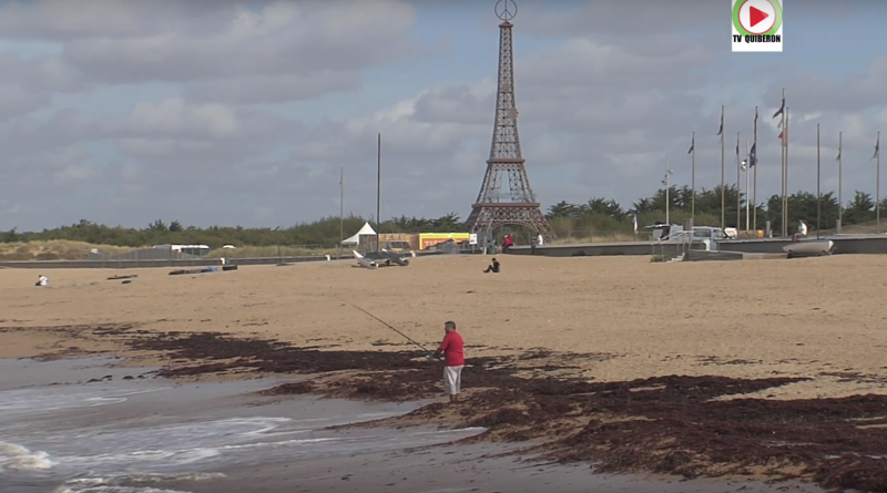 Tour-Eiffel sur une plage de Vendée