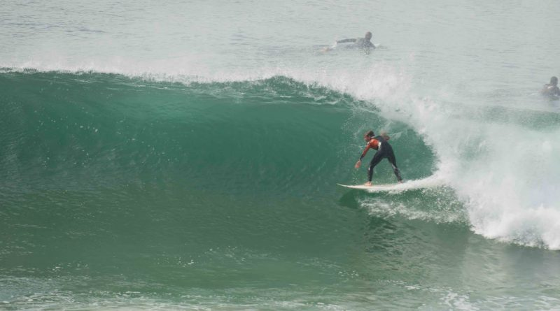 Grosses vagues on fait du surf - TV Quiberon