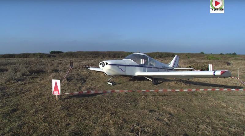 Ile de Hout l'avion perd son helice et se pose en catastrophe