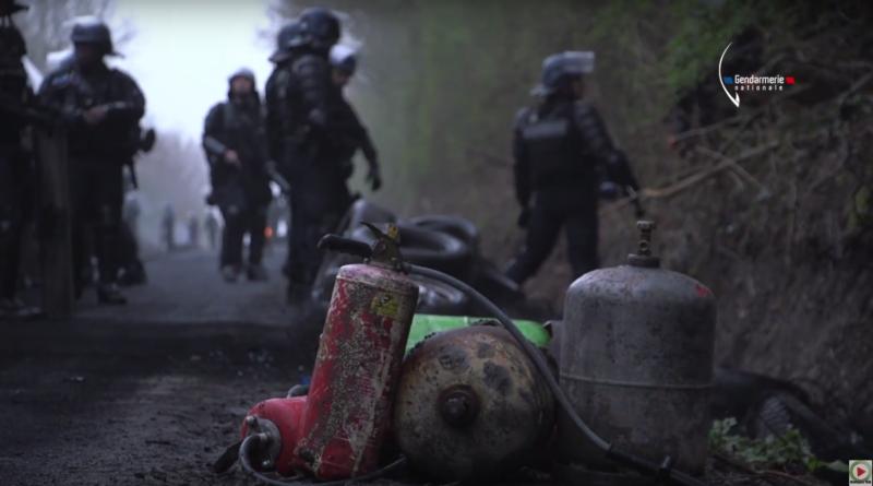 NDDL: La Gendarmerie évacue l'ex-ZAD - Bretagne Télé
