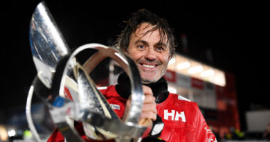 Voile | Yannick Bestaven (Maître CoQ IV) vainqueur du Vendée Globe - Bretagne Télé