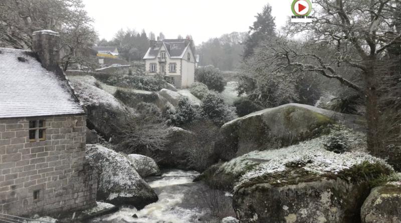 Huelgoat | Belle chute de Neige - Bretagne Télé